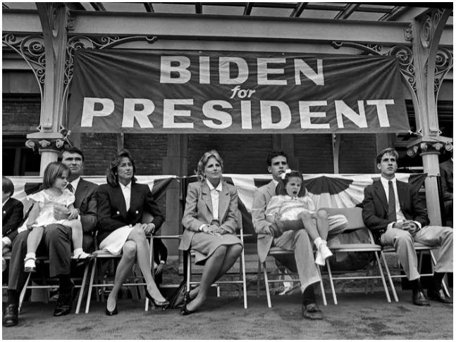 1987年、選挙戦を見守るバイデン一家